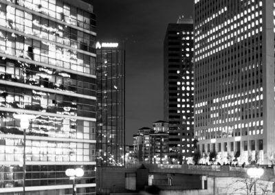 Photo à la Défense de nuit